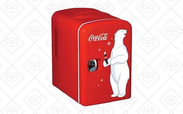 自分だけのコカ・コーラ冷蔵庫を手に入れて、コカ・コーラを入れましょう