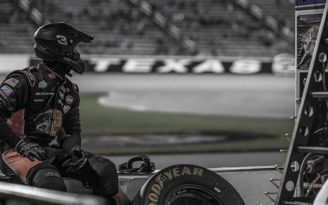 NASCAR内野のすべての内部の仕組みを詳しく見てみましょう