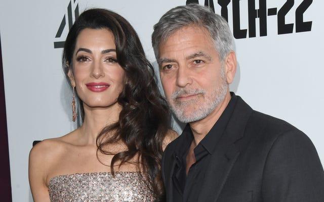 I gemelli di George Clooney parlano correntemente italiano, a differenza dei loro genitori, e accolgo con favore i nostri nuovi signori