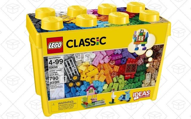 लेगो की बात करें तो, यहाँ उनका एक बहुत बड़ा बॉक्स है