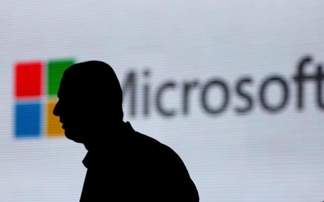 Microsoft स्लैक का उपयोग करने से कर्मचारी प्रतिबंध लगाता है, एक 'निराश' सूची पर AWS और Google डॉक्स है