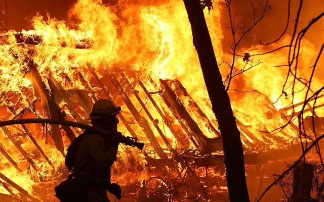 Piekielne pożary w Kalifornii w 2018 r. Kosztują gospodarkę USA 148,5 miliarda dolarów