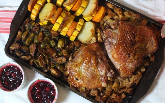 วิธีทำอาหารมื้อค่ำวันขอบคุณพระเจ้าในกระทะแผ่นเดียว