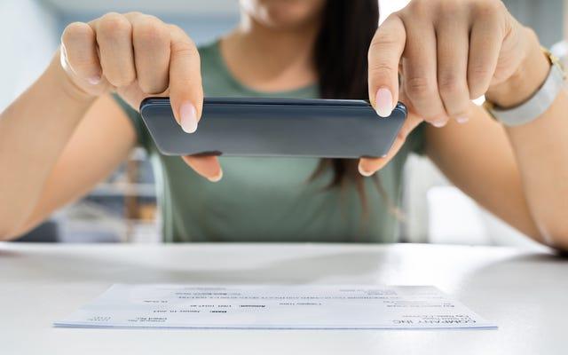 刺激支払いのスクリーンショットをオンラインで共有しないでください