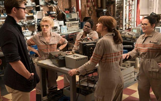 ทีม Ghostbusters พูดถึงฉากท้ายเครดิตที่น่าตกใจและความลับอื่น ๆ