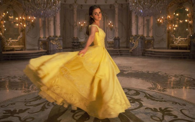 Nel nuovo filmato La Bella e la Bestia, Emma Watson canta, incontra la bestia e desidera ardentemente di più
