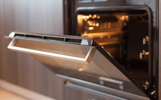 Non utilizzare la funzione di autopulizia del forno