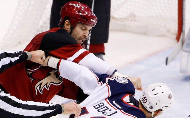 Lo strano caso di John Scott e dell'All-Star Game della NHL