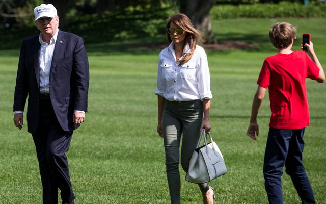 व्हाइट हाउस स्टाफ काम पर व्यक्तिगत सेल फोन के उपयोग से प्रतिबंधित