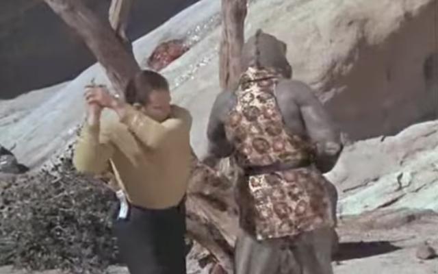 Baca Ini: Sejarah pukulan tinju ganda Star Trek yang aneh