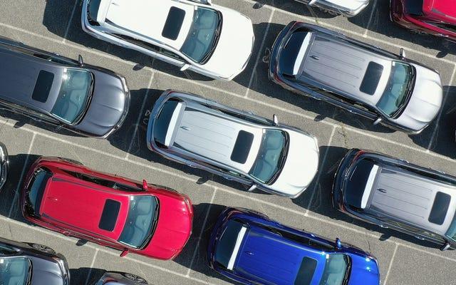 アメリカ人はコロナウイルスの封鎖が始まる直前に車の支払いで過去最高を記録