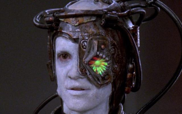 Salah satu Borg Terbaik Star Trek Tampak Sangat Baik dalam Gambar Baru Dari Picard Ini