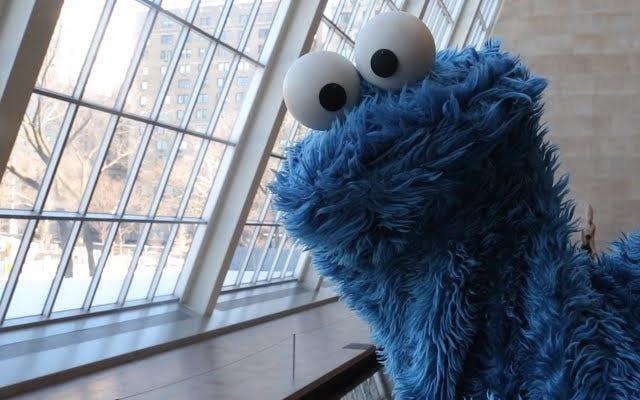 Los pensamientos de la ducha de Cookie Monster sobre la comida son simplemente divertidos