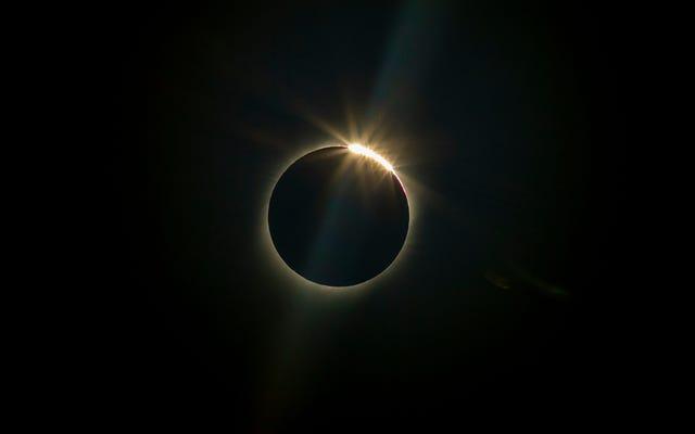 8 photos spectaculaires de l'éclipse solaire totale de 2019