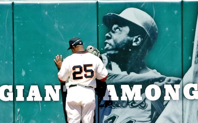 Hank Aaron lo era todo, Barry Bonds no era nada