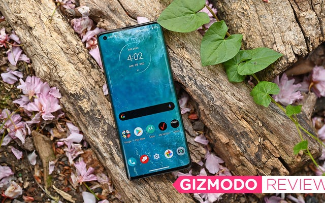Đánh giá Motorola Edge +: Tuổi thọ pin tốt nhất từ trước đến nay, nhưng đâu là người Ba Lan?