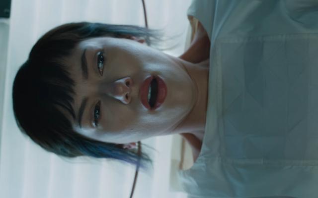 Major budzi się w pierwszym klipie z Ghost in the Shell