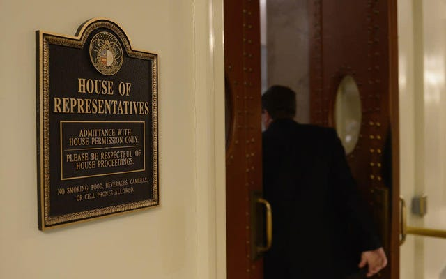 ミズーリ州議会議員は、「合意されたレイプ」のようなものがあることを示唆したことを謝罪します