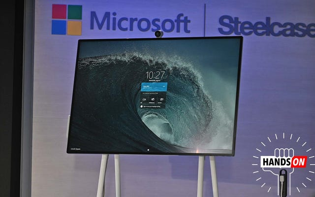 $ 9,000のSurfaceHub 2Sは、周りをすくうための特別なホイールを備えた巨大なWindowsタッチスクリーンです。