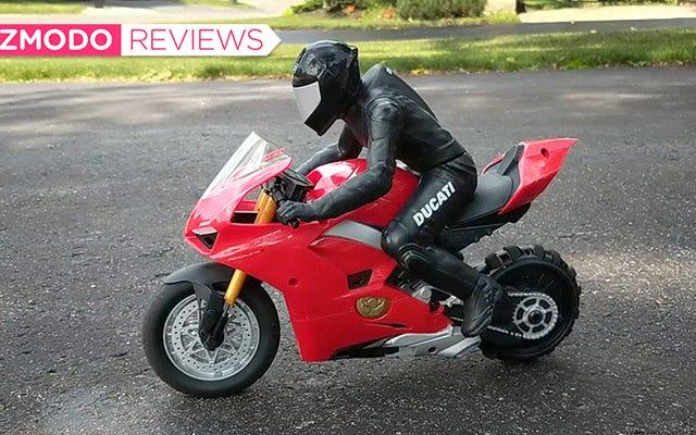 Questa motocicletta RC Ducati sta imballando una tecnologia sorprendentemente intelligente