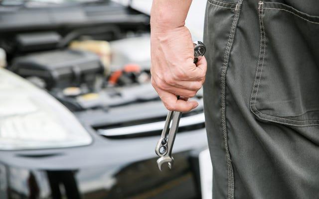 古い車を修理するべきですか、それとも単に交換するべきですか?