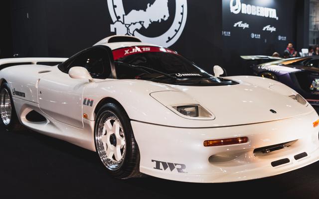 東京のナイトクラブで生まれたこのスーパーカーは、何十年もの間隠されてきました