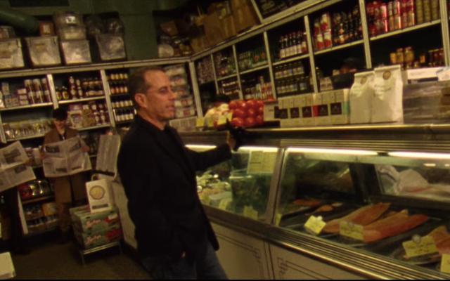 ヴァンパイアウィークエンドのジョナヒル監督の「ひまわり」のビデオでジェリーサインフェルドが主演