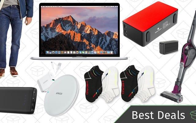 Perşembe Gününün En İyi Fırsatları: MacBook Pro, Qi Şarj Pedleri, NCAA Turnuva Akışı ve Daha Fazlası