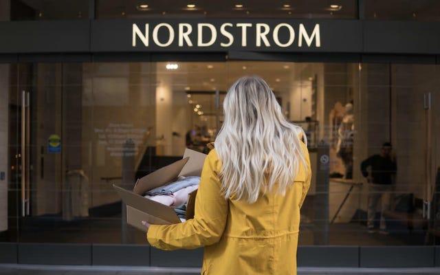 これらのノードストロームの販売で自宅からクローゼットを更新する