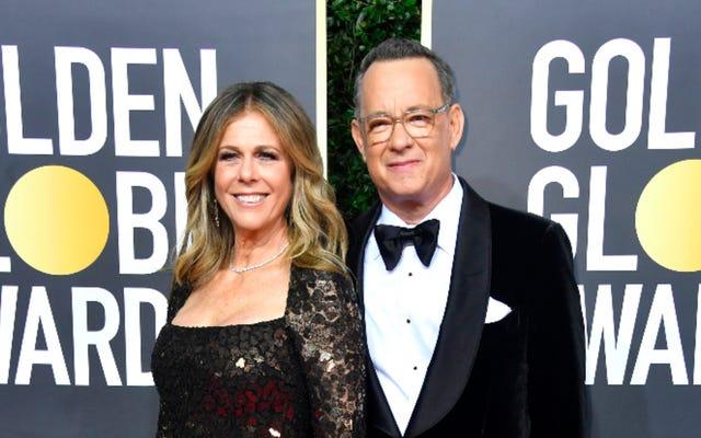 """Tom Hanks y Rita Wilson están jugando al gin rummy y cantando mientras están en cuarentena con un caso de """"blahs"""""""