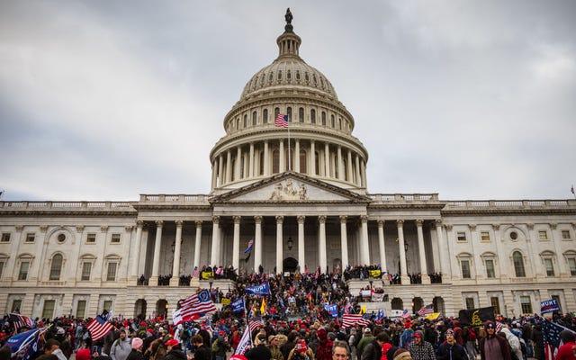 トランプは、国会議事堂のクーデターに接続された共和党議員を許さないように警告した