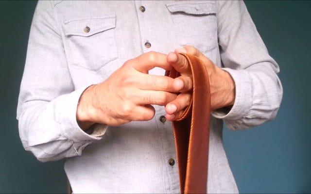このハンドループトリックで数秒でネクタイを結ぶ