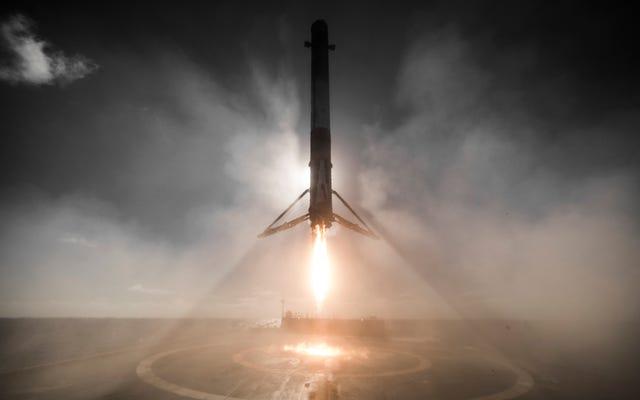 このSpaceXロケット着陸は実に神に見えます