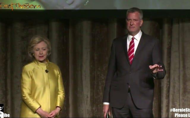 ビル・デブラシオとヒラリー・クリントンに「色のついた人々の時間」について冗談を言わせることを誰もが考えていましたか?