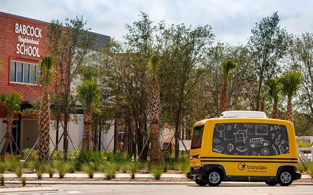 Le gouvernement fédéral ordonne à la société d'arrêter de transporter les enfants de Floride à l'école en bus autonome