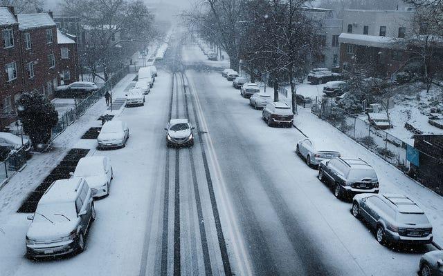 Musim Dingin Hanya Akan Semakin Buruk, Jadi Para Peneliti Menemukan Cara untuk Menghasilkan Listrik dari Hujan Salju