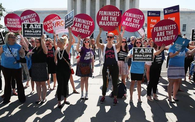 最高裁判所の判決後、アーカンソー州は残りの中絶クリニックの1つを除いてすべてを失う可能性があります