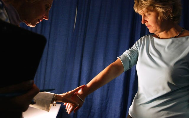 お近くの無料の皮膚がん検診を見つける方法