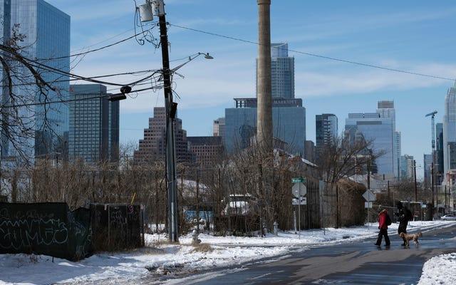 Mantan Pejabat Texas, Yang Tidak Bisa Mengeja, Menyalahkan Penghancuran Badai Musim Dingin atas Sosialisme dan Kemalasan: 'Only the Strong Will Survive'