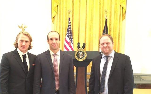 Ils ont laissé Phil Kessel visiter la Maison Blanche