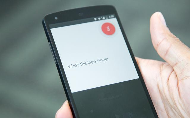 Asystent Google, wirtualny asystent, który rozumie wszystko, co mówisz, używając języka naturalnego