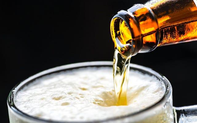申し訳ありませんが、運動後のそのビールは、逆にあなたが回復するのをまったく助けません