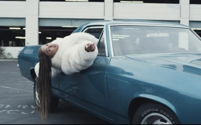 タブリア・メイジャーズは、ハロウィーンのために彼女がしたビヨンセの最高のミュージックビデオのこの壮大なリメイクで彼女自身のスタンを獲得することができました