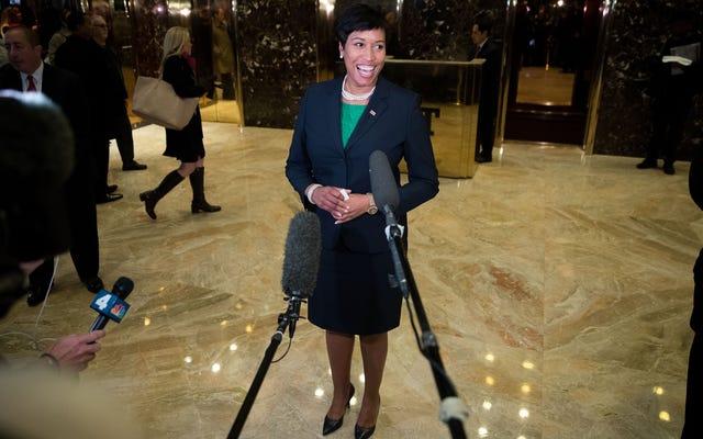 Washington, DC, Walikota Muriel Bowser Mengadopsi Bayi Baru Lahir dalam Pengumuman yang Mengejutkan