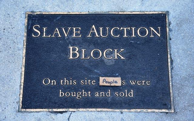 Un historien amateur blanc dit qu'il a volé une plaque de bloc d'esclaves parce qu'elle ne suffisait pas à honorer les descendants de l'esclavage