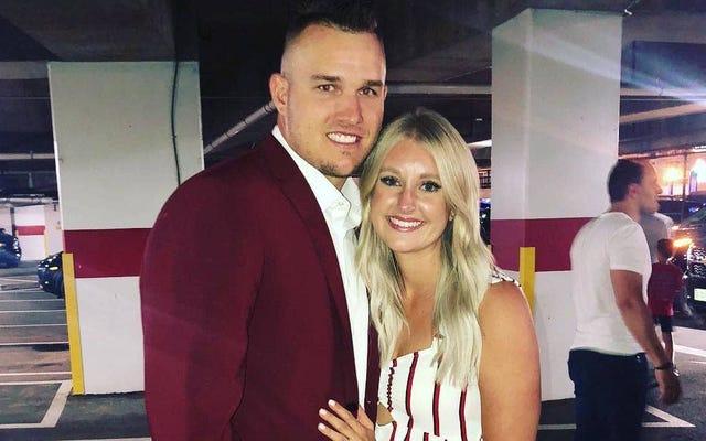 野球のベストプレーヤーであるマイク・トラウトは、妊娠中の妻と一緒にシーズンを過ごすかもしれません