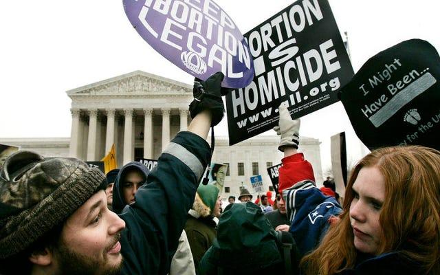 裁判官は、2人の移民の10代の若者に中絶へのアクセスを許可する必要があると規定しています