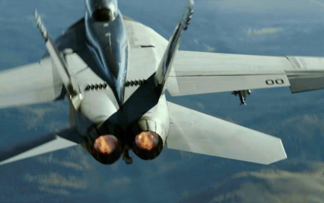 新しいトップガン:マーヴェリックの予告編の戦闘機と空中アクションスター