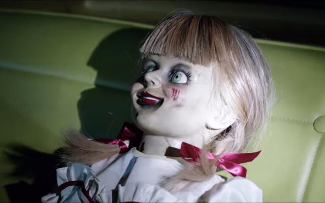 悪魔は、アナベルカムズホームの予告編で子供たちをクールなお尻の人形から遠ざけることはできません