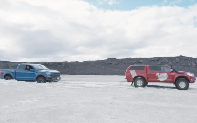 Чтобы застрять на льду Ford Raptor, нужен особый водитель